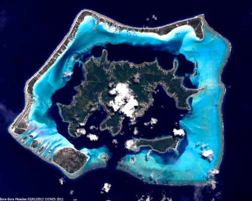 Bora-Bora vue par Pléiades